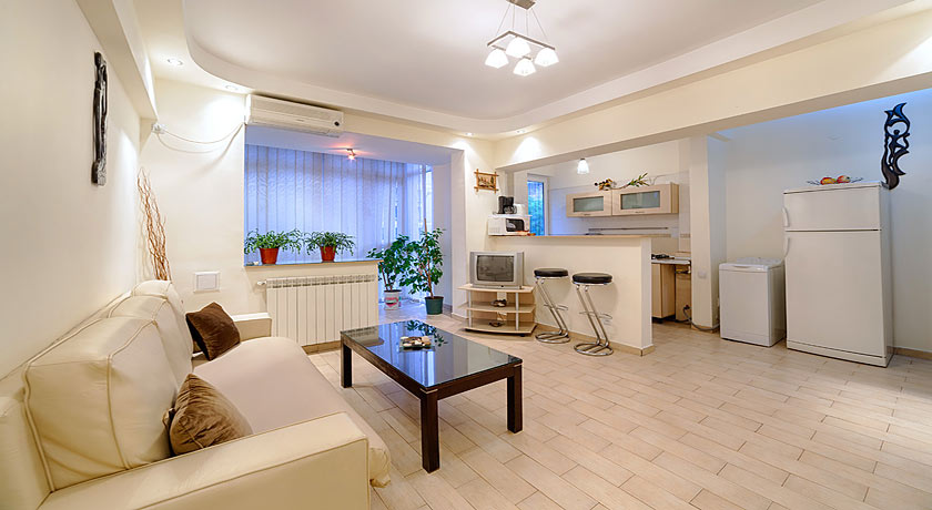 Bucharest Apartment Kogalniceanu Square near Hotel Venetia